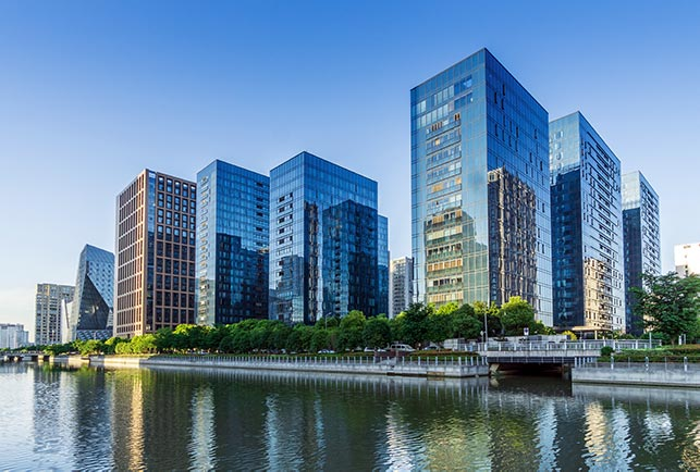 buildings-on-lake-skyscrapers-IS-1164467533