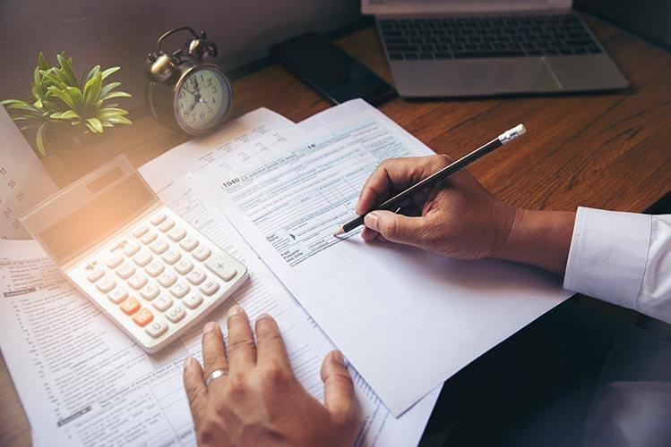 calculator-pencil-forms-IS-1199453237