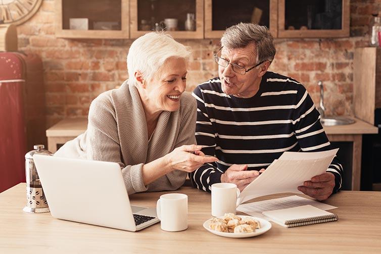 couple-breakfast-retire-IS-1210549949