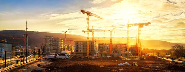 cranes-and-construction-AS-244094814