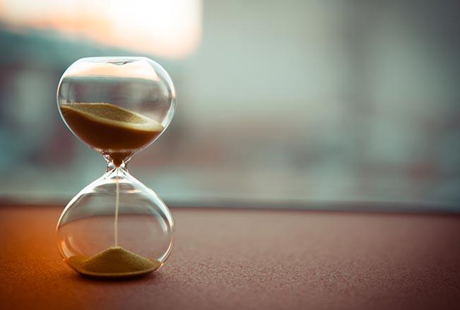 hourglass-AS-236371594