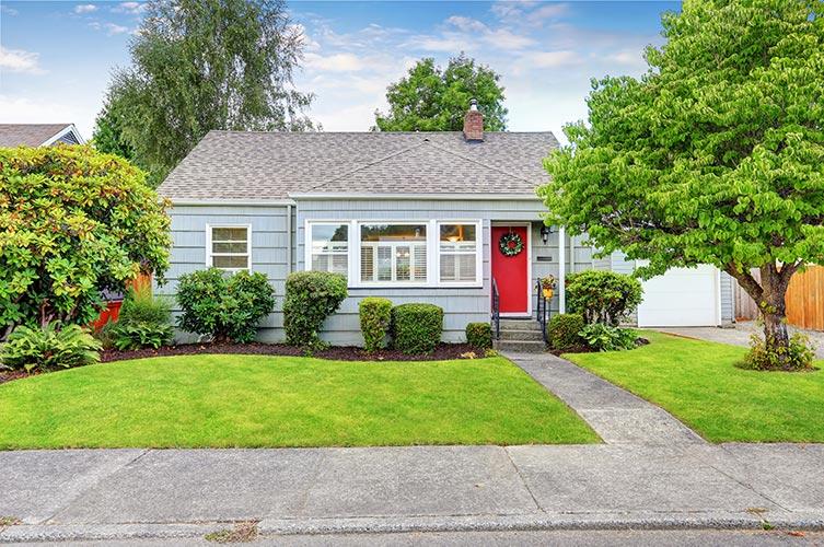 house-red-door-IS-589538090