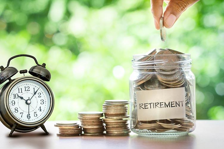 retirement-coins-clock-IS-622064048