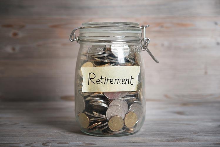 retirement-jar-coins-IS-469750400