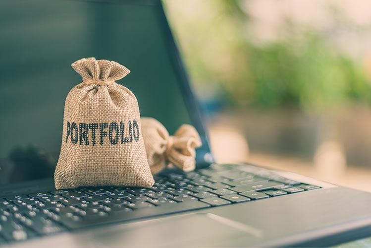 sack-laptop-portfolio-IS-1250426655