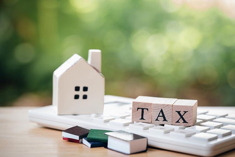 tax-house-keyboard-IS-1089705908