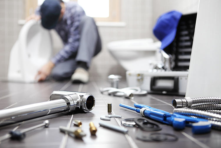 tools-fix-house-IS-918319088