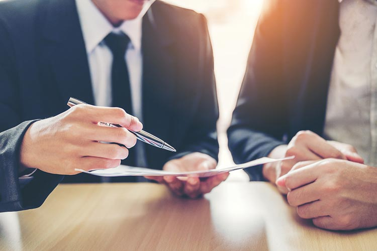 What Are the Delaware Statutory Trust (DST) Trustee Requirements?