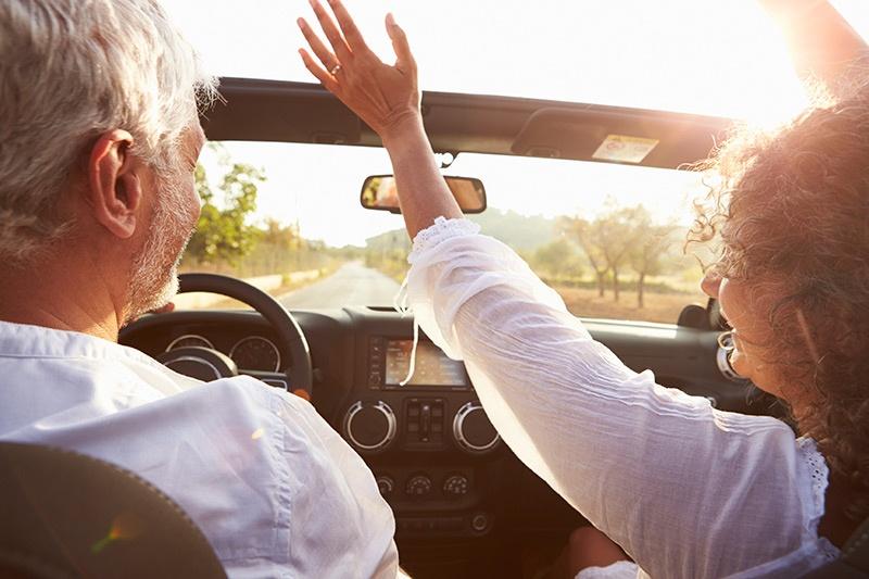 man-woman-car-driving-is000051070352.jpg